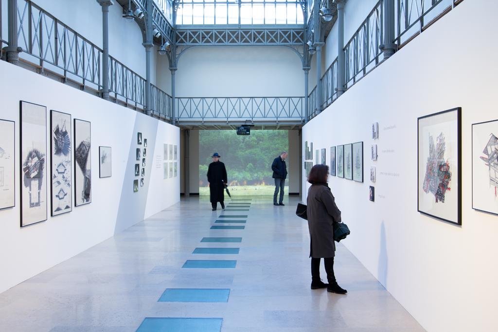 7--Vue-in-situ-exposition-Jean-Nouvel-Claude-Parent-Musées-a-venir---Crédit-Andrea-Aversa