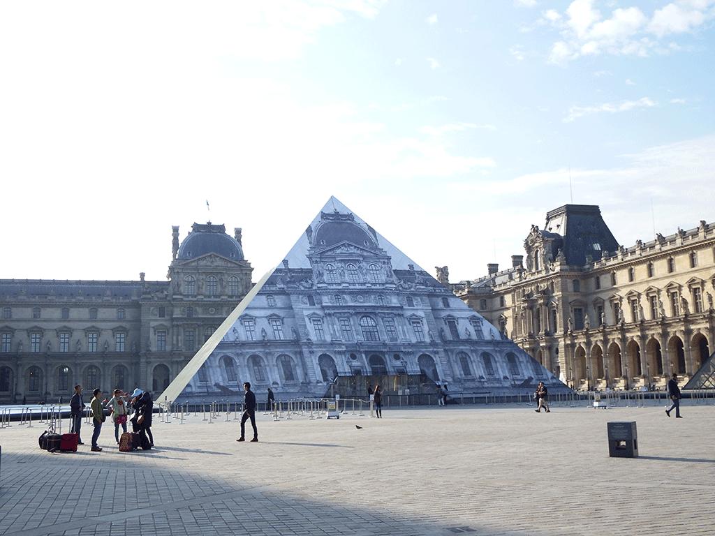 L 39 architecture d 39 aujourd 39 hui aa r tro la pyramide du louvre e - Qui a construit la pyramide du louvre ...