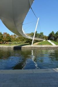 - Passerelle Pierre Simon Girard sur le canal de l'Ourcq Jean-Marc Weill Architecte Ingénieur avec Christian Devillers Architecte Urbaniste