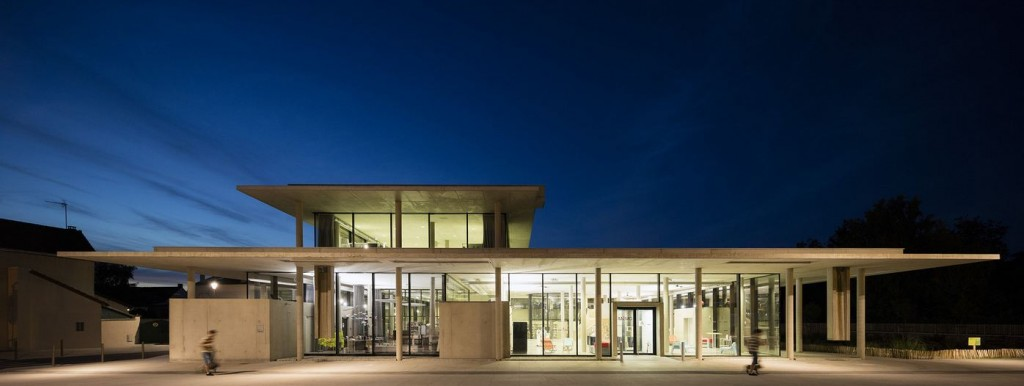 Bibliothèque multimédia à Osny, France, 2015. © Triptyque