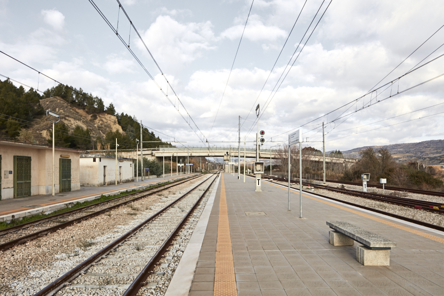 Collina Materana: Ferrandina Scalo station, no one waiting for the train © Alessandro Guida / Urban Reports