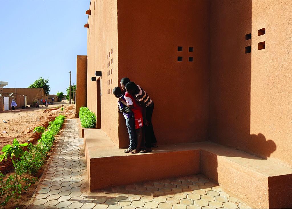 Niamey 2000 Housing, façade sud © united4design