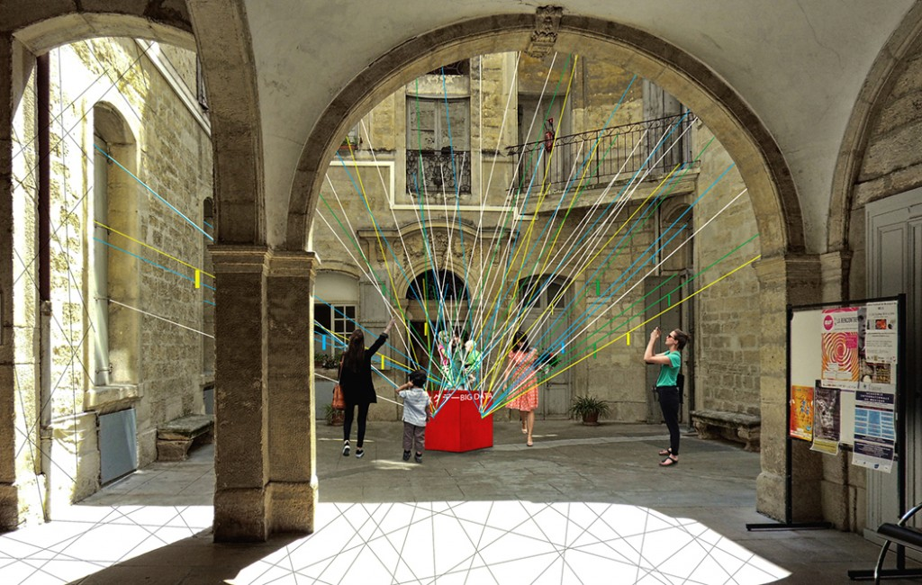 Installation 4 Black Network © Lise Garcia, Jordan Llanos, Valentin Sambardy