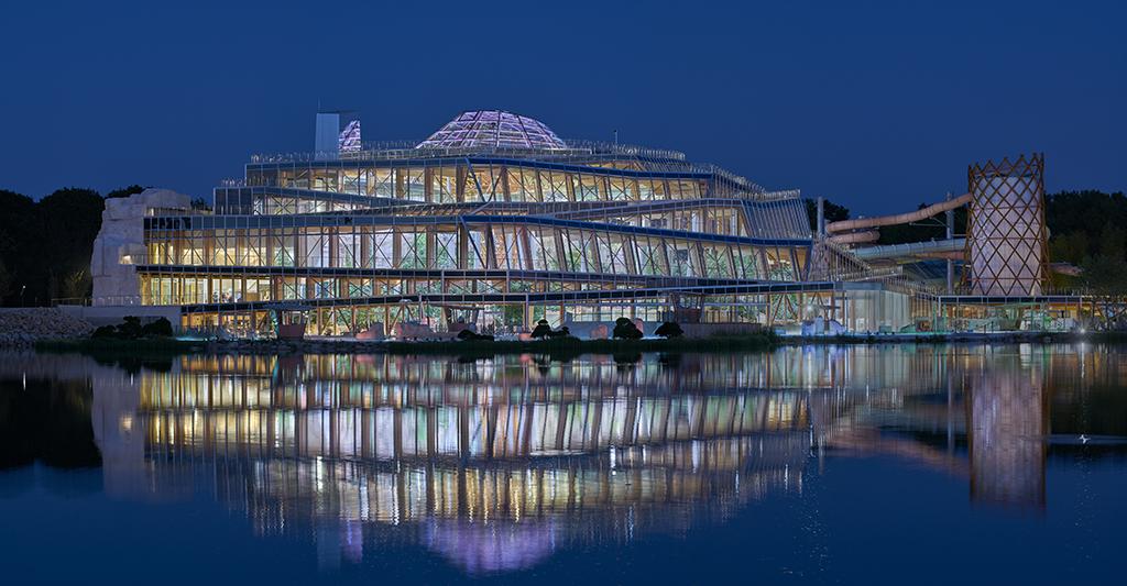 Aqualagon - Jacques Ferrier Architecture © Luc Boegly