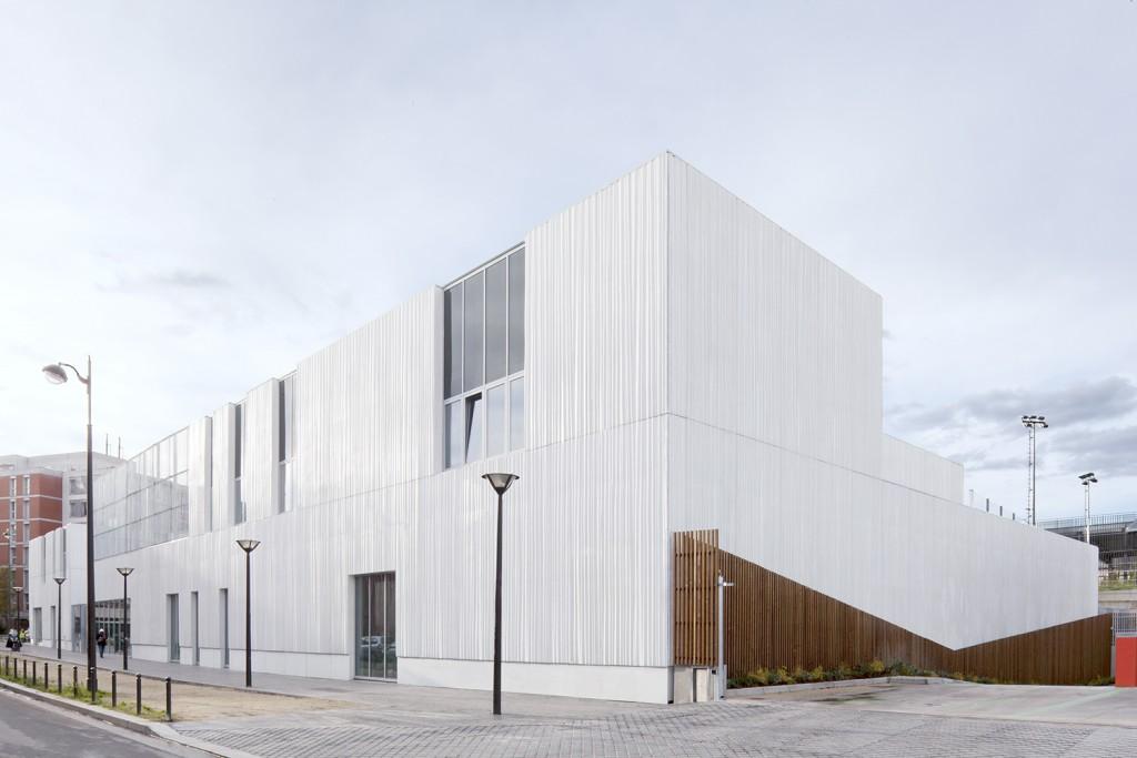 Centre sportif, Centre Pedopshychologique et espace jeunes, ZAC des Lilas (Paris), livraison 2014 © F.Mattuzzi