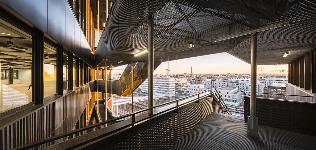 24 200 m² de bureaux et commerces, ZAC Clichy Batignolles, Paris (17e), 2017 © Sergio Grazia
