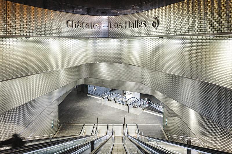 Carreau en verre Châtelet les Halles, Paris, 2018 © Sergio Grazia