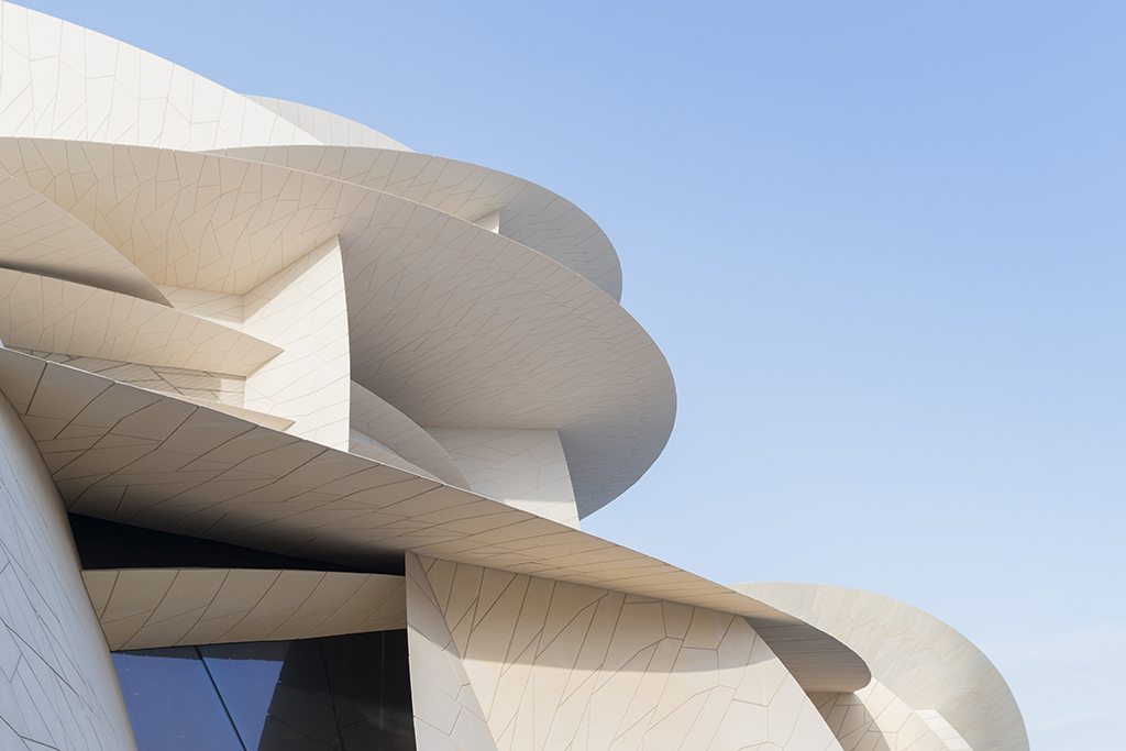 Close-up view of the interlocking disks of the new National Museum of Qatar designed by Ateliers Jean Nouvel © Iwan Baan