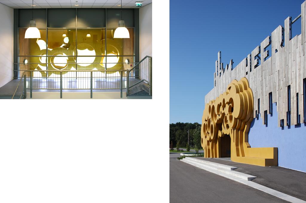 L'entrée principale est marquée par un amoncellement d'arbres stylisés en polyuréthane doré. © Rob Parrish