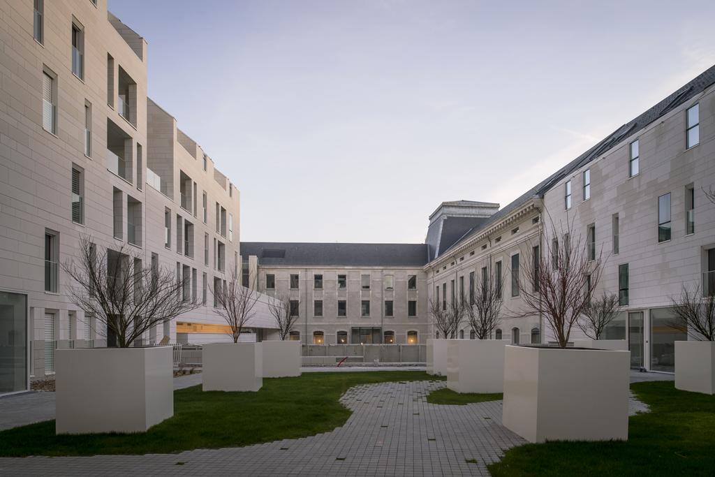 Leibar & Seigneurin, 123 logements, pôle associatif, crèche et jardin public pour Nantes Métropole Habitat, Nantes, France, 2018. © Patrick Miara