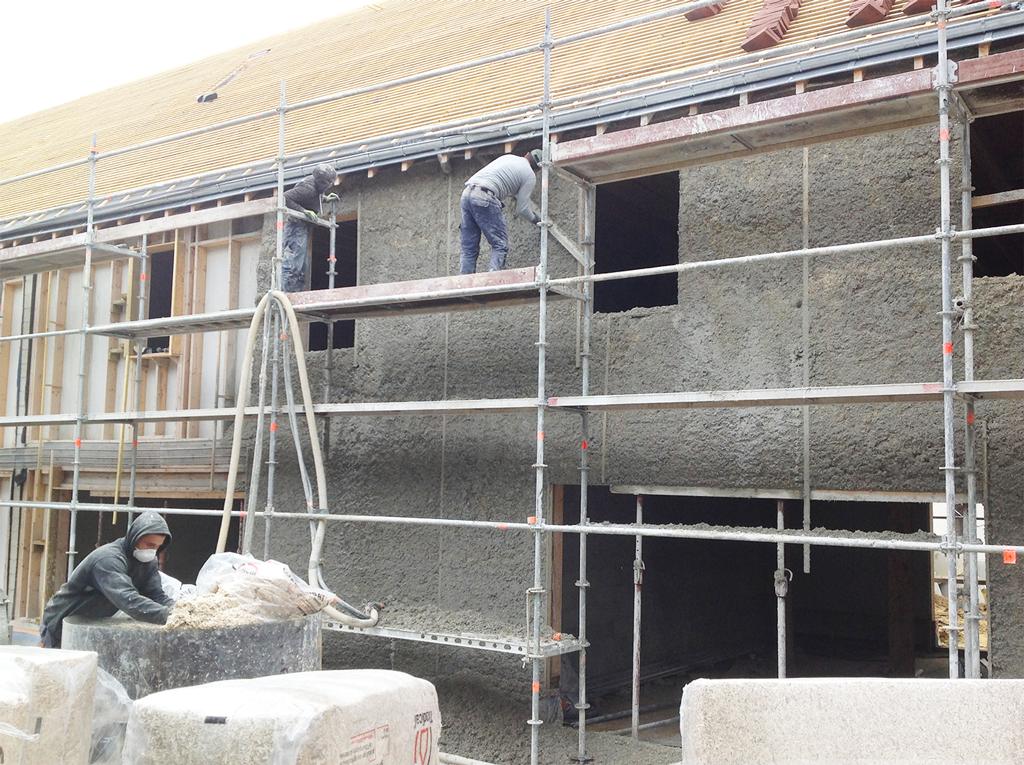Aux Loges-en-Josas, les architectes ont en 2015 expérimenté la mise en oeuvre du béton de chanvre.