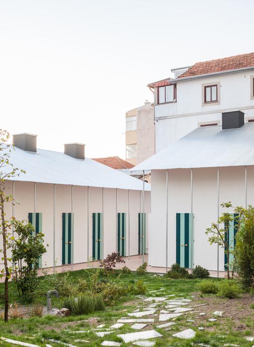 Six maisons et un jardin, Porto, Portugal, 2019 © Fala