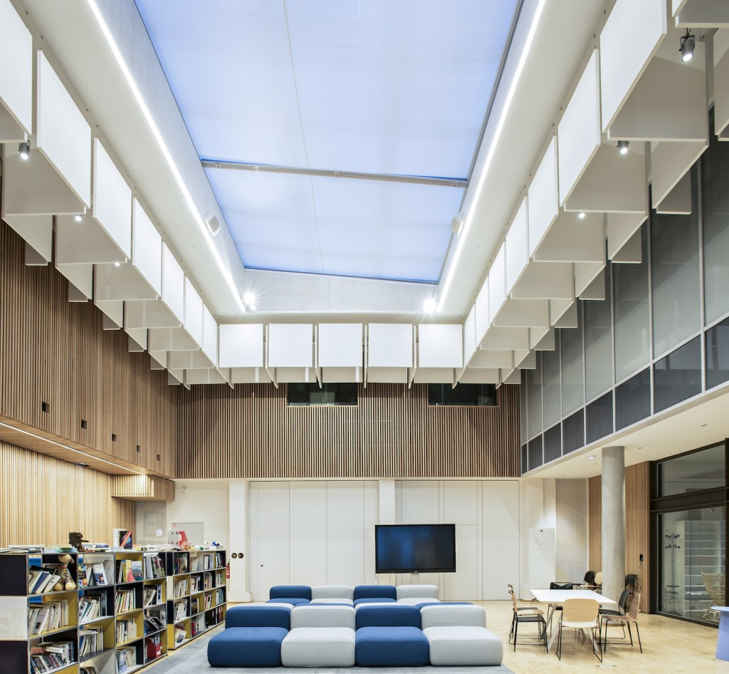 Aménagement du Centre de Recherches Interdisciplinaires (CRI), Paris, 2018. ARCHITECTURE PATRICK MAUGER. ©ARMSTRONG CEILING SOLUTIONS – Studio Vu