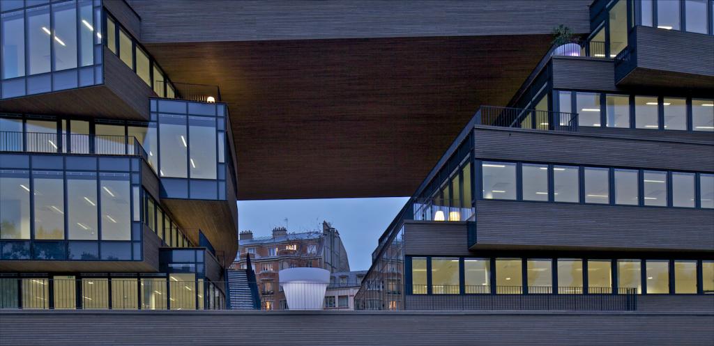 Pushed Slab, Paris, MVRDV architecture. Photo ©Philippe Ruault