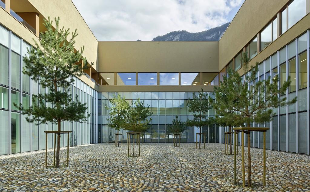 Hôpital Riviera-Chablais, Vaud-Valais, Suisse (2019). Architectes associés ; Groupe-6 et GD architectes. Photo : ©Thomas Jantscher