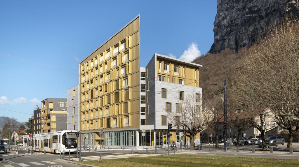Programme mixte (logements, bureaux, commerce et stationnement) à Saint Martin-le-Vinoux (38) ©Nicolas Waltefaugle