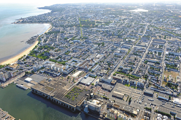 Image Aérienne Ville port centre ville Base sous marine
