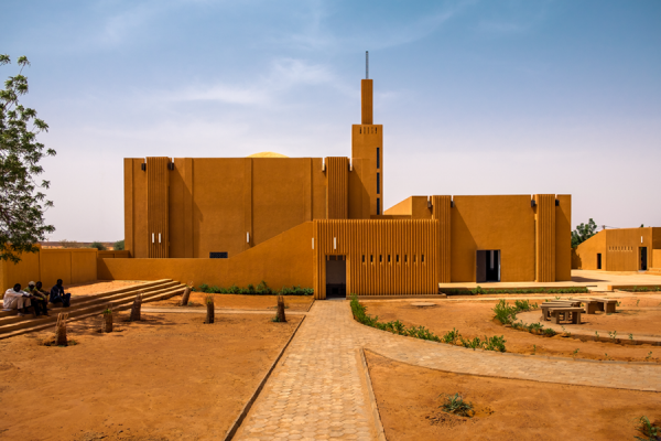 Atelier Masomi, Studio Chahar, Hikma Religious and Secular Complex, Niger, 2018 © James Wang