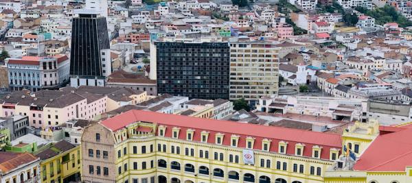 Vue aérienne de Quito, Équateur ©Jaime Dantas